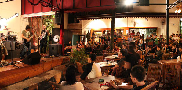 Top 5 Best Live Music Bars - Singapore